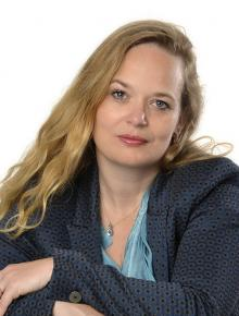 drs. Esther  Bergsma